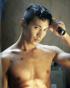 """ウォンビン、映画『アジョシ』で""""荒々しい男の姿""""を公開"""